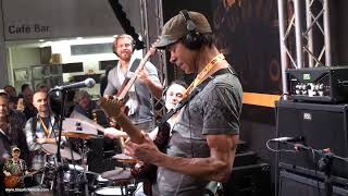 Greg Howe Playing Through a DV Mark Maragold Music Messe 2015   tonymckenziecom