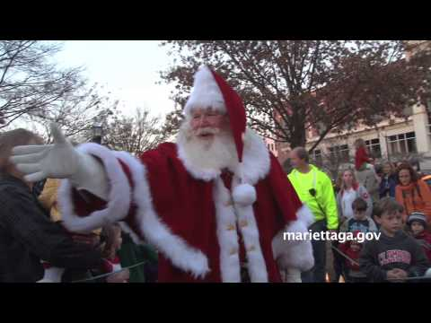 Santa arrives in Marietta 2012