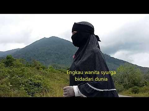 Wanita Syurga Bidadari Dunia (cover ipen)
