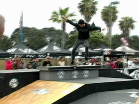 Chad Bartie and Aldrin Garcia skating the Sun Diego Am Slam 2010