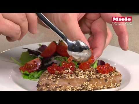 Vöröstonhal steak és  saláta