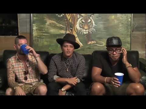 Bruno Mars - 'locked Out Of Heaven' Single Premiere, Chat & Google Hangout video