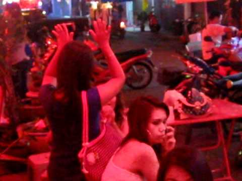 BAR GIRL GOING FOR A LONG TIME WISHES GOOD LUCK TO HER FRIENDS AN UNUSUAL WAY  PATTAYA SOI 6