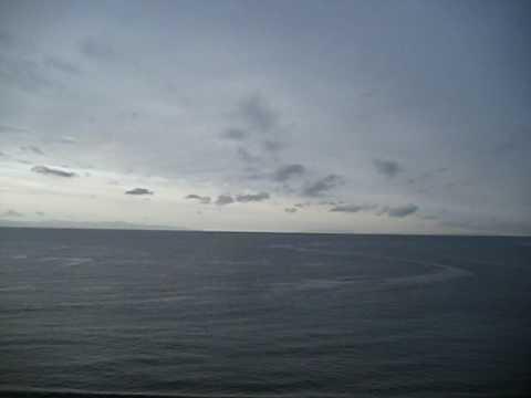 青森 津軽海峡を函館、湯の川温泉から望む