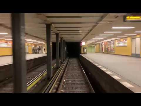 U-Bahn Berlin - Kehren am Zoologischen Garten