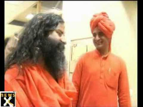 Baba Ramdev forcefully evicted from Ramlila ground