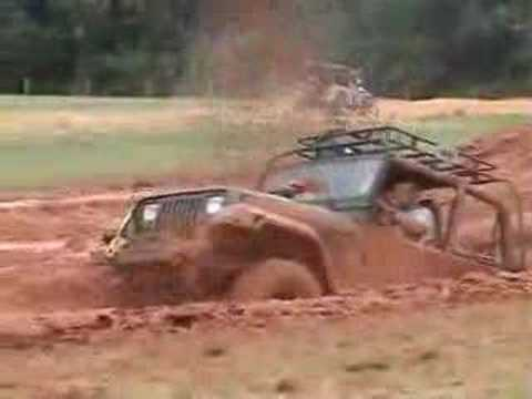 Camp Jeep 2007 stuck in the mud Video