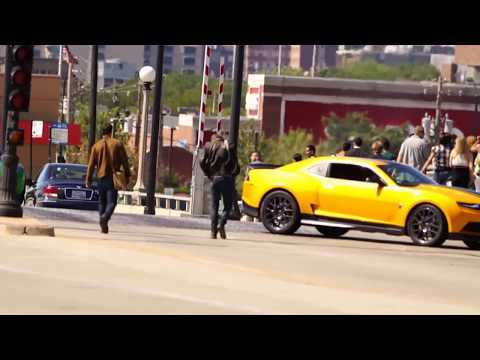 Transformers 4 - Mark Wahlberg Filming a Scene in Chicago