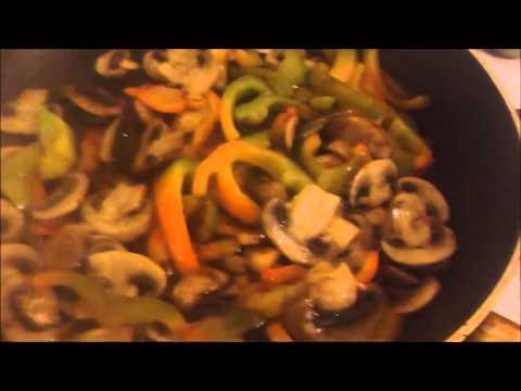 Кулинарный рецепт Салат Рыбный салат с рисом паприкой болгарским перцем яицом и грибами