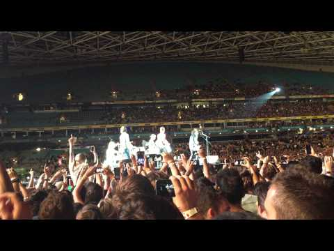 Foo Fighters - Times Like These Sydney 2015
