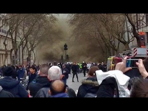 LSE evacuated due to fire LIVE UPDATES | London Fire | Holborn fire | #News
