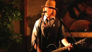 Watch Todd Snider Beer Run video