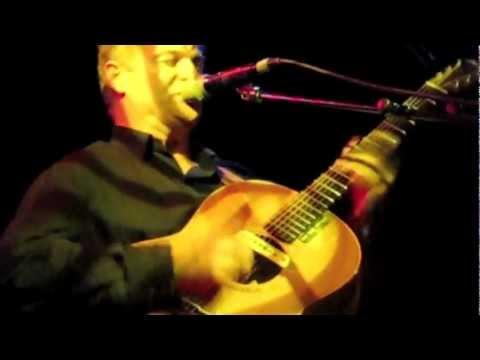 Nick Harper in London performing Simple
