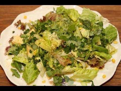Юлия Высоцкая — Салат со сладкой кукурузой и авокадо