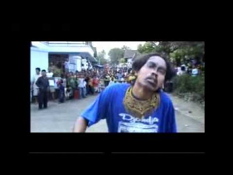 Jaran Kepang Temanggung - Full Kesurupan -traditional Dance In Jin Possessed Temanggung 02 (01-04) video