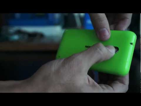 How To Remove Back Cover and Insert SIM Card On Nokia Lumia 620 HD