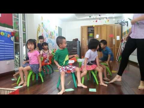 Learn phonics via game Musical chairs