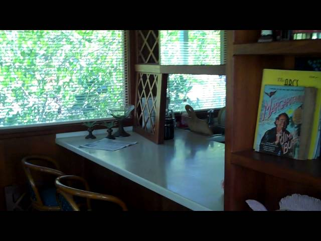 A Tour Through a 60 ft. Houseboat in Key Largo, FL - Houseboat Rentals