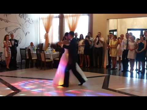 Najpiękniejszy Walc Angielski Pierwszy Taniec