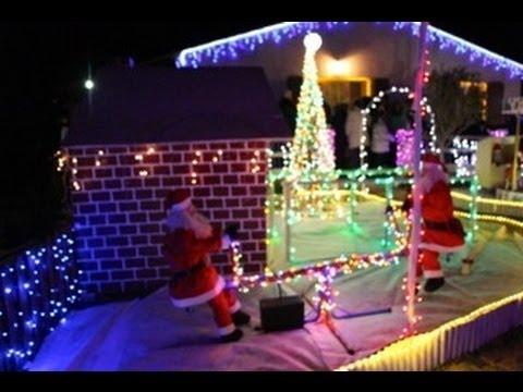 Maison illumin e pour noel 2012 meyreuil youtube - Maison decoree pour noel ...