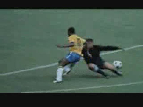 Pelé GREATest BALL TRICK - game played at 1,566 m (5,138 ft) and at 54 degrees Celsius