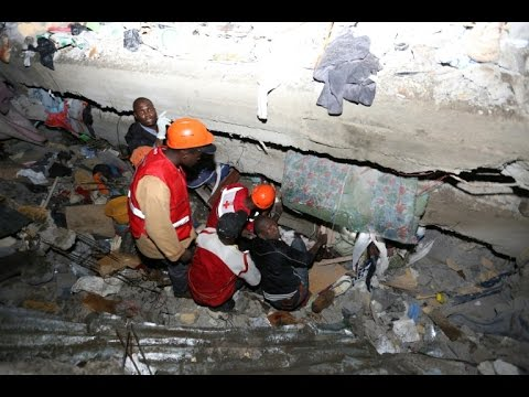 Kenya flooding At least seven dead in building collapse
