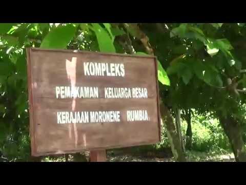 Makam Raja Raja Moronene Di Rarowatu Kabupaten Bombana