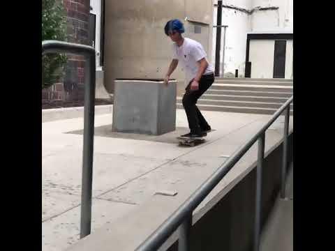 Beast mode from @codydavis1 📲: @stavs_ | Shralpin Skateboarding