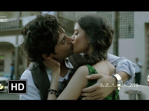 Rajeev Kisses His Girlfriend In Public