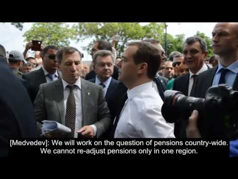LiveLeak - Crimean Pensioners Fooled By Russia 'No More Money' - Medvedev