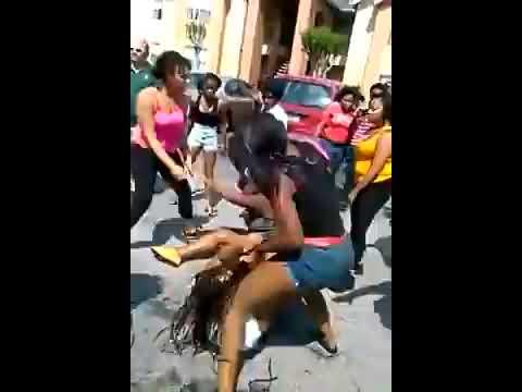 Big Ass Ghettofight Between Group Of Girls video
