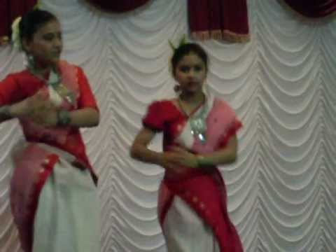 phagunero Mohonaye  Sunetra & Shreya  Dance With Bengali Folk Song video