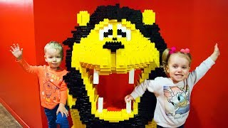 Gaby and Alex plays at the Legoland