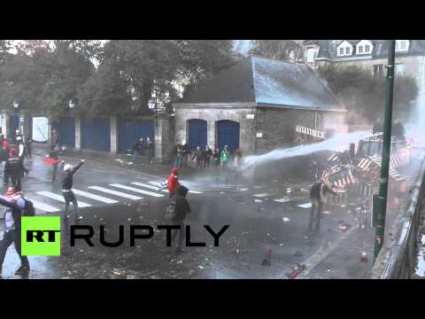 Video: Protest turns violent as thousands call for death of eco-tax in France