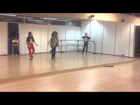 Aliyah 'Wolk' - Repetitie (Show versie)