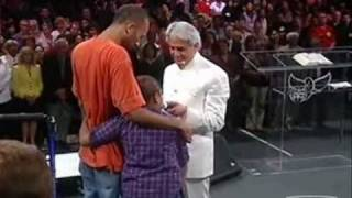 Benny Hinn - Heartbreaking Story of a Young Girl