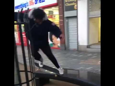Skateboarding is dangerous 😂 @maximskateboards @umairsprughead @hazzyb91 | Shralpin Skateboarding