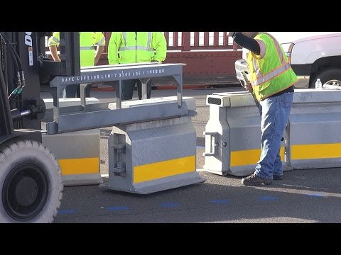 Golden Gate Bridge moveable median barrier installation: closeup and narrated (January 10, 2015)