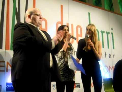 """Elena Santarelli al Centro Commerciale Le due torri – premiazione """"Premi a mille"""""""