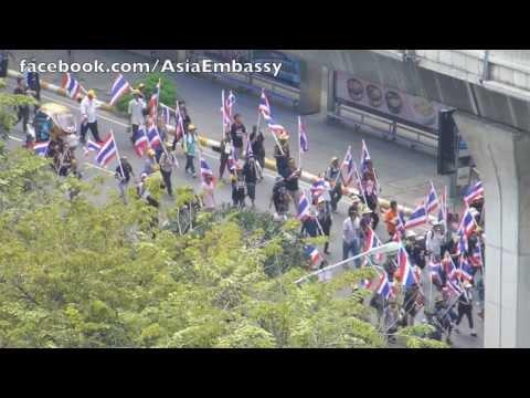 Protesters in Ratchaprasong Bangkok 14th November 2013 against amendment Art 190