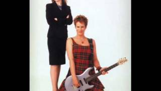 download lagu Freaky Friday Soundtrack 07 - Take Me Away gratis