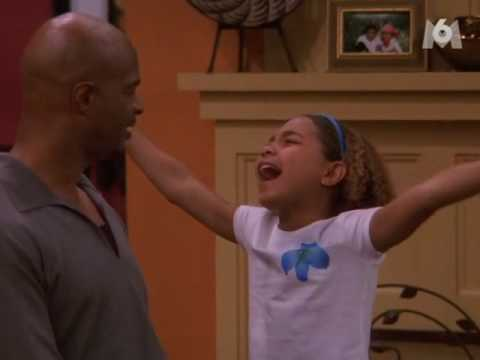 "Jamia Nash Vs Kady from my wife and kids Part 2 It's STILL in FRENCH ! Jamia is singing ""Fallin"" by Alicia Keys."