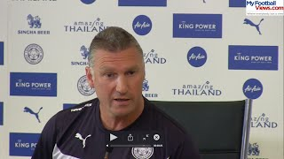 Nigel Pearson argues with 5 Live's Pat Murphy