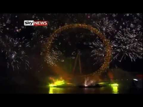 London Sees In 2012 With Spectacular Firework Display