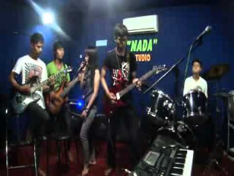 KIMNA BAND open with WIndow Media Player.mp4
