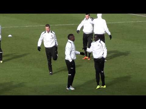 Mapou Yanga-Mbiwa & Papiss Demba Cissé Newcastle United Warm Up