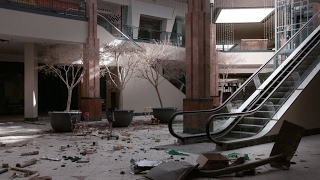 The reasons why malls across the US are closing down more than ever