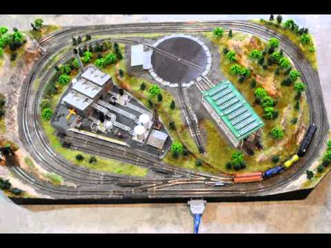 N scale train layout with turntable