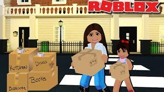 MOVING INTO OUR FAMILY TOWN HOUSE | Bloxburg Family Roleplay