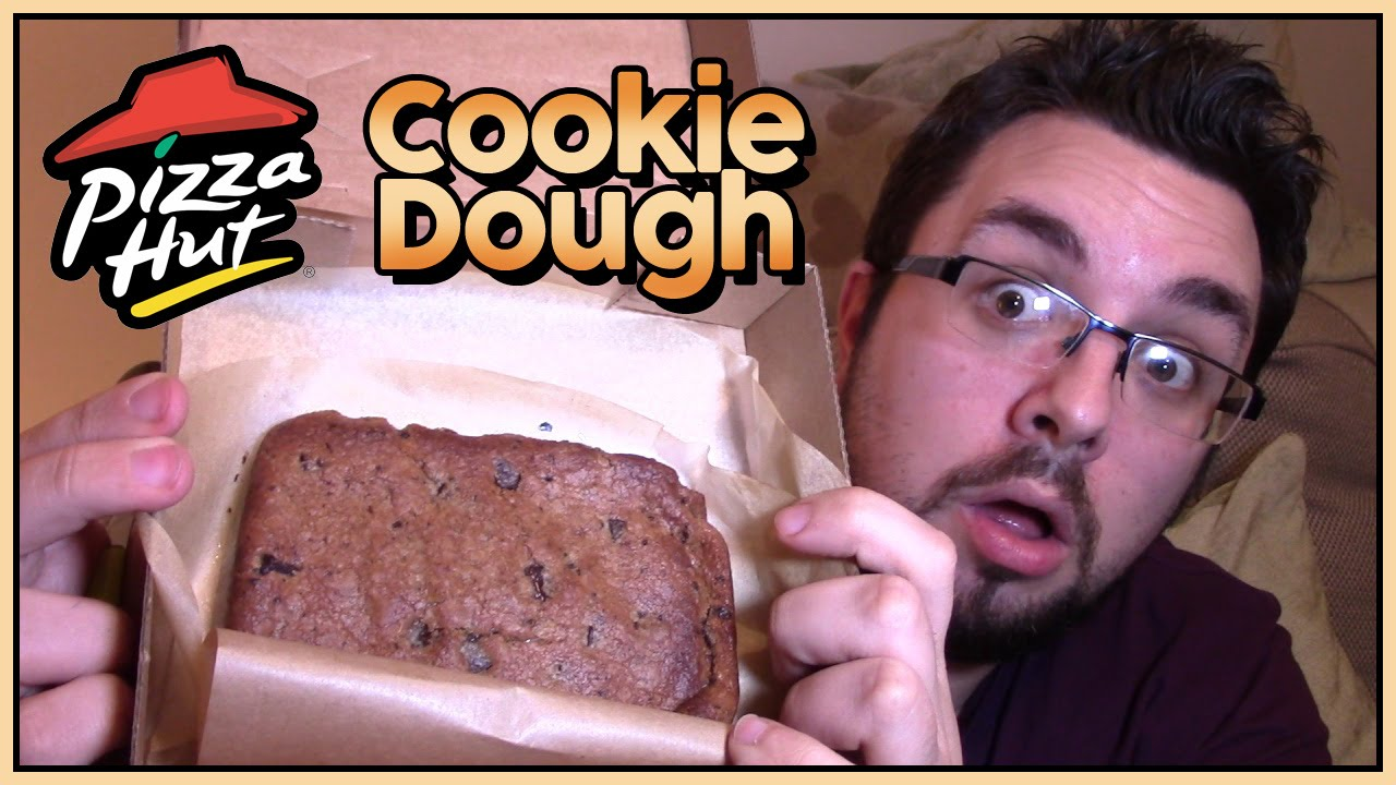 Chocolate Chip Cookie Dough Pizza Pizza Hut Cookie Dough Review